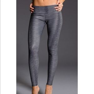 New with tags Onzie high rise leggings